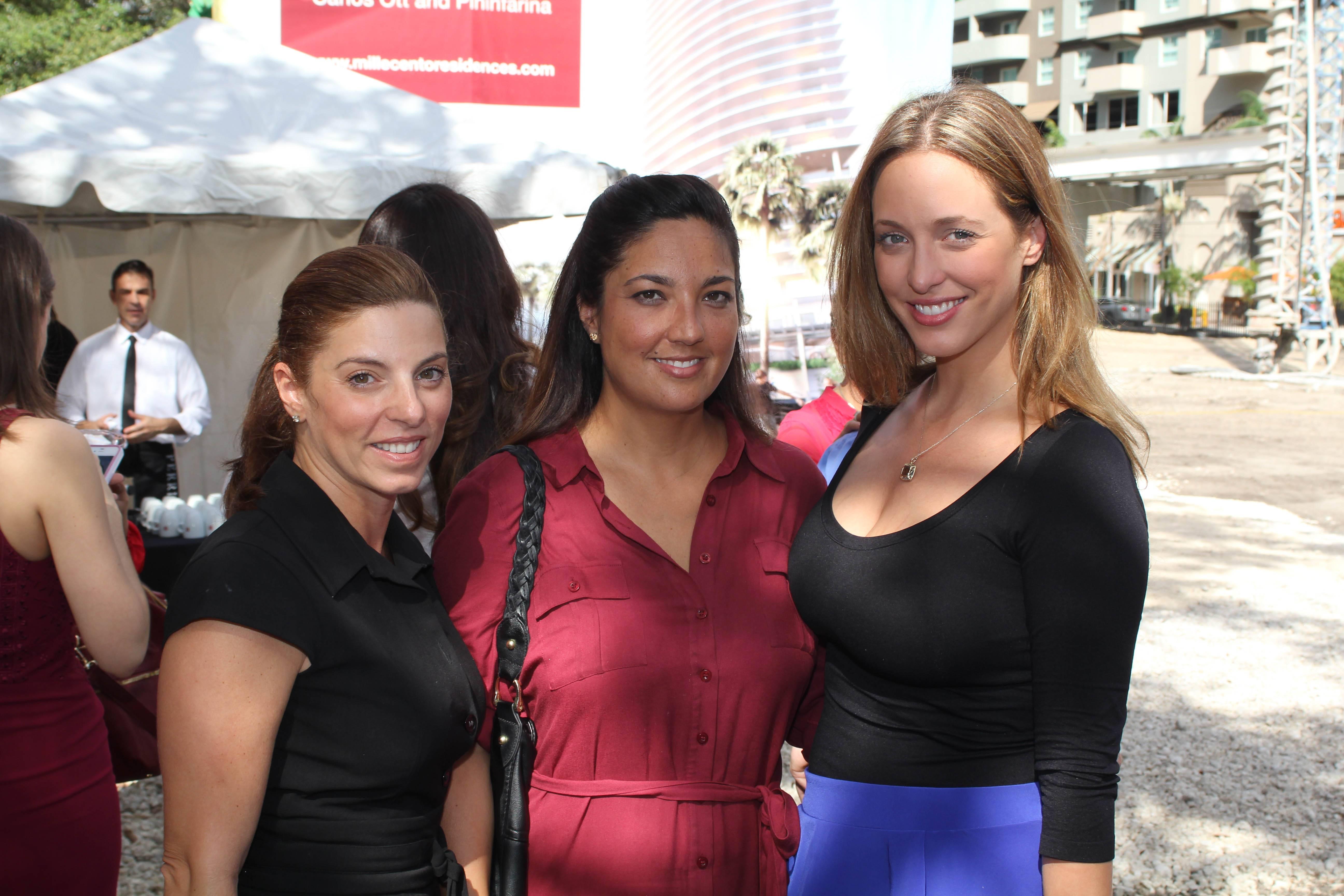 Susan Priscal, Vanessa Moya, Michelle Minagorri