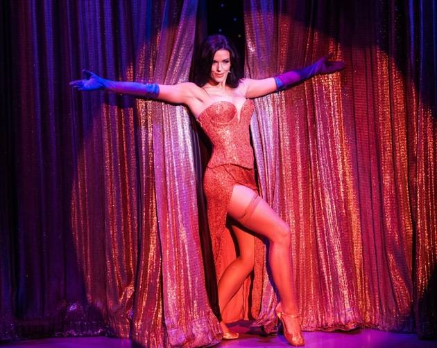 Tracey in Jessica Rabbit inspired solo