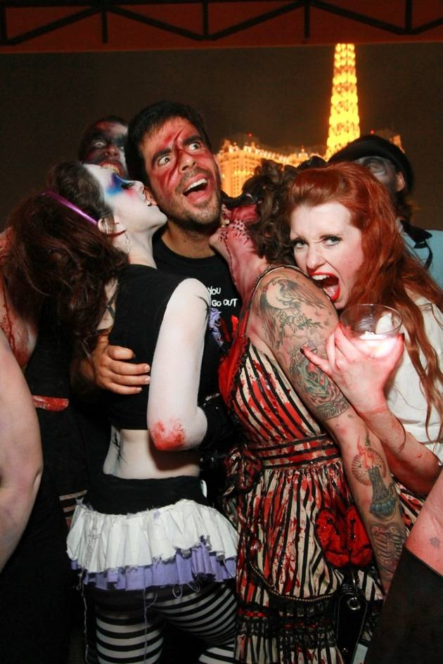 Eli Roth parties at Hyde Bellagio with GORETORIUM cast, Las Vegas, 10.30.12 (2)