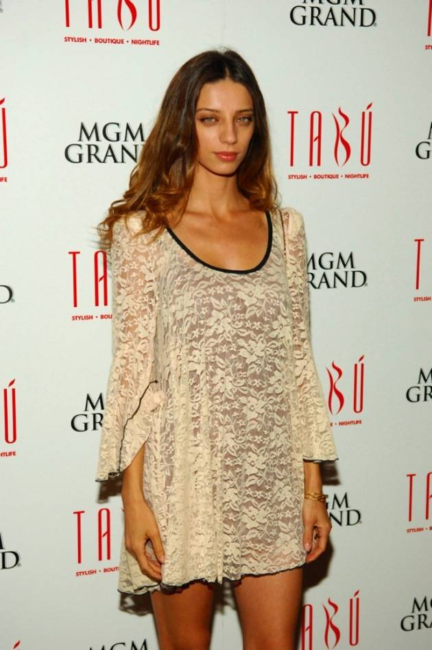 Tabú - Angela Sarafyan on Carpet - 11.17.12