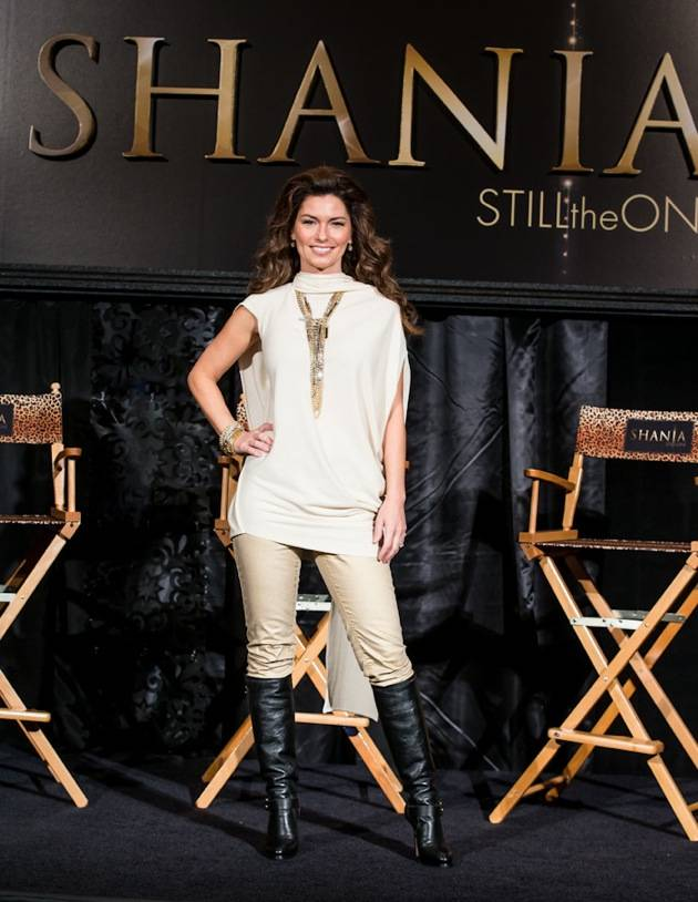 11_30_12_shania_twain_press_kabik-519