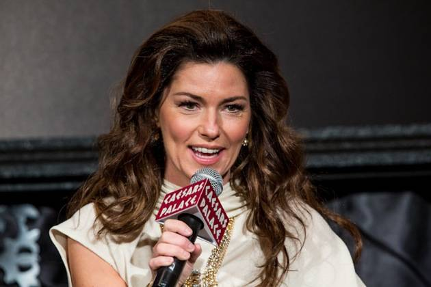 11_30_12_shania_twain_press_kabik-644