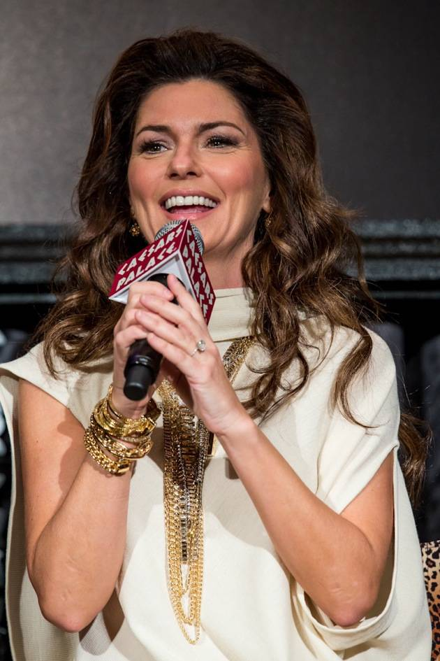 11_30_12_shania_twain_press_kabik-668