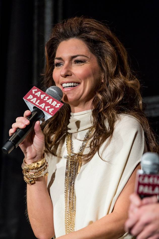 11_30_12_shania_twain_press_kabik-711