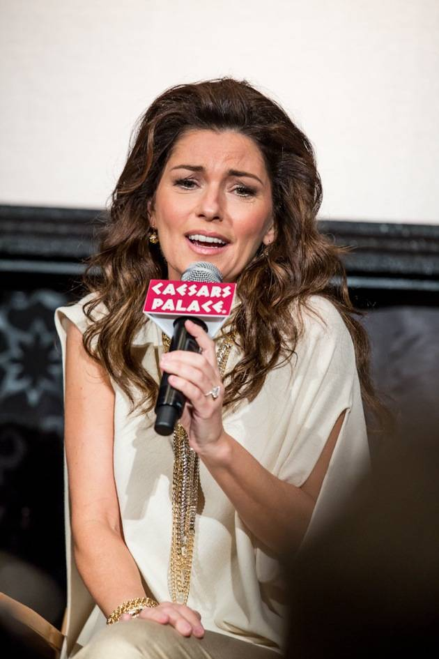 11_30_12_shania_twain_press_kabik-811