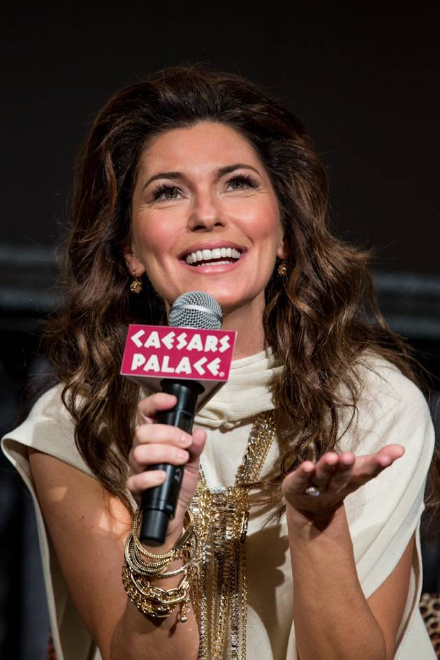 11_30_12_shania_twain_press_kabik-893