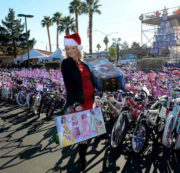 98.5 KLUC 14th Annual Chet Buchanan And The Morning Zoo Toy Drive Toy Drive – Las Vegas