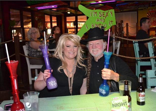 Angela Hathaway and Roy Hammock enjoy margaritas as Miranda Lambert and Willie Nelson at Señor Frog's Las Vegas