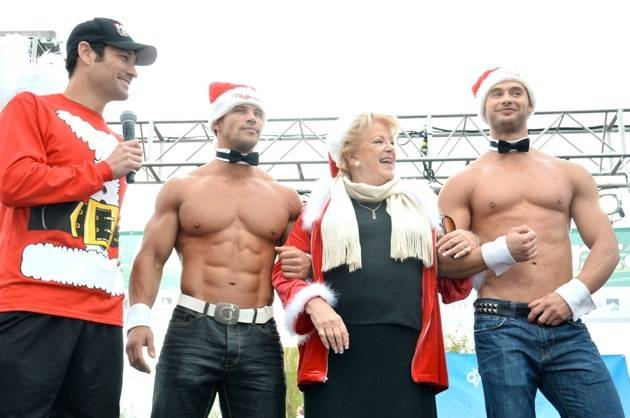 Jason Feinberg, Mayor Carolyn Goodman and Chippendales Dancers, Las Vegas Great Santa Run, Dec. 1, 2012, Town Square