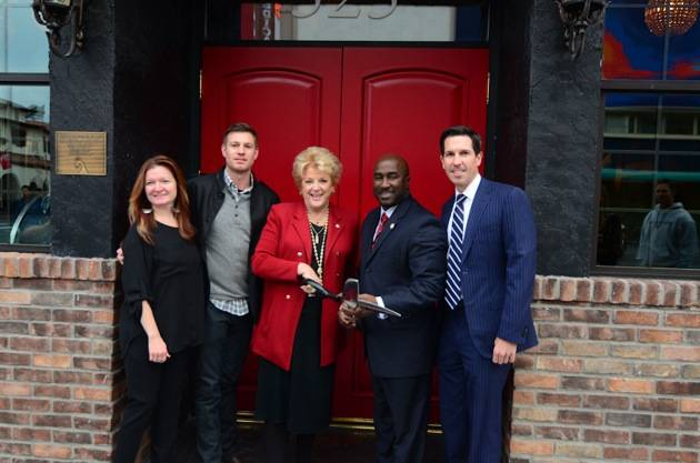 Kenna Warner, Ryan Doherty, Mayor Carolyn Goodman, Councilman Ricki Barlow and Mike Parks after the ribbon cutting