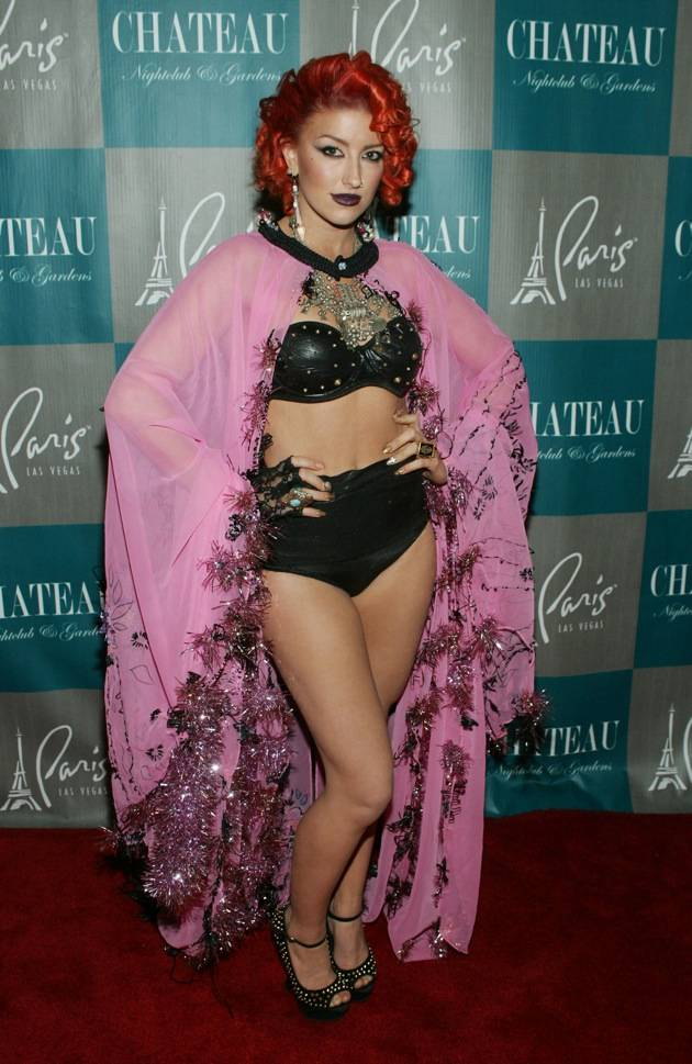 Neon Hitch poses on the red carpet at Chateau Nightclub