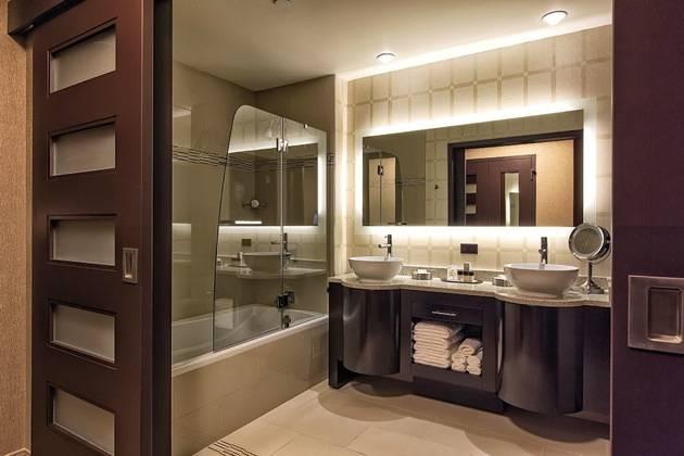 RT_GoldClub_Bathroom
