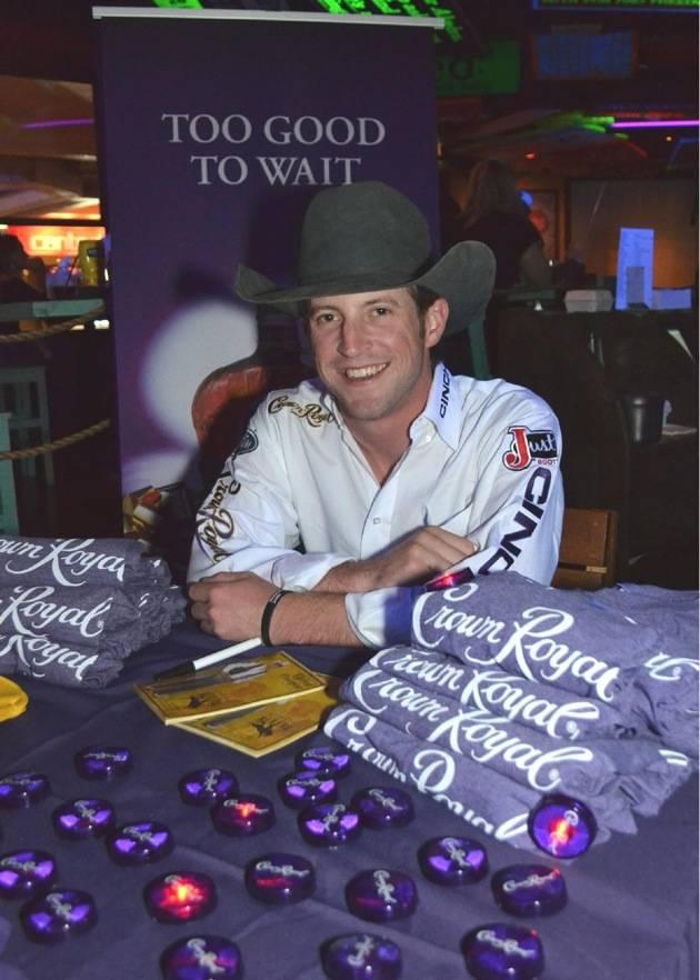 Tilden Hooper signs autographs at Senor Frog's Las Vegas