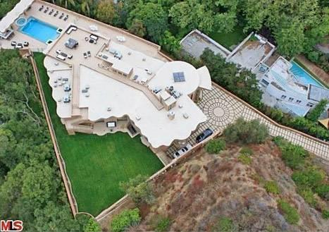 rihanna-house-aerial-467