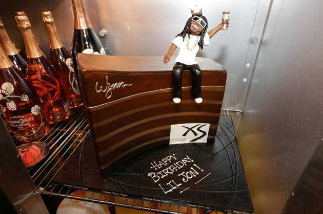 1.21.13 - Lil Jon - birthday cake at XS - photo credit Danny Mahoney