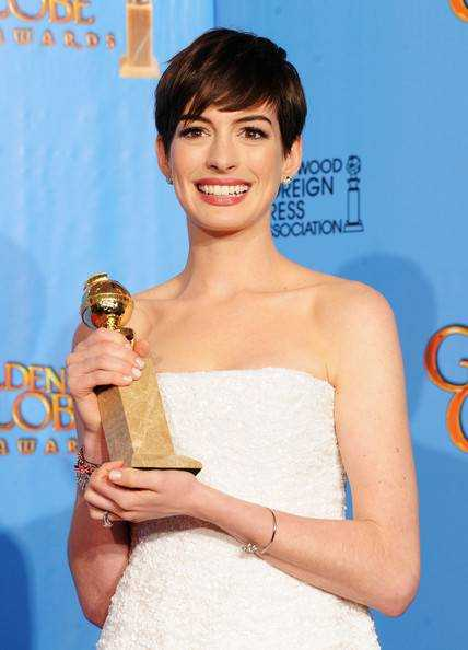 70th+Annual+Golden+Globe+Awards+Press+Room+wKUBxbJcoBpl