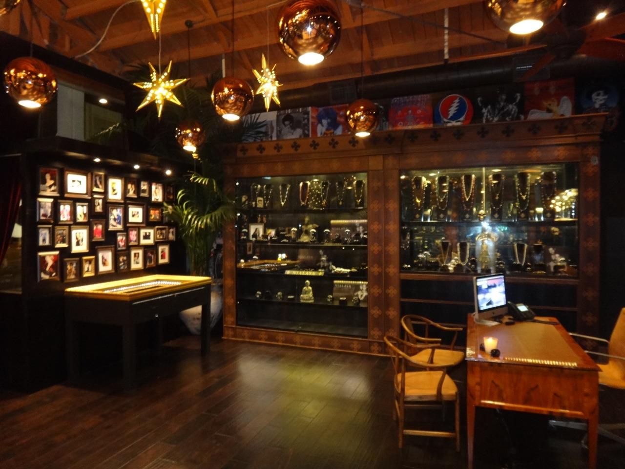 Jannik Nialaya Los Angeles Store 3
