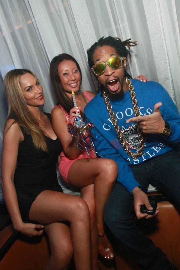 Lil Jon parties with friends at Hyde Bellagio, Las Vegas, 1.1.13 (2)