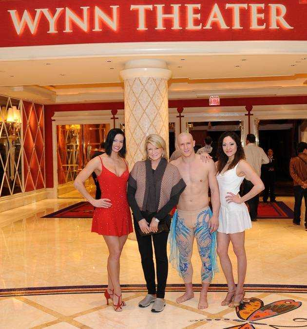 Martha Stewart with Le Reve cast members_1-18-13_Courtesy of Wynn Las Vegas