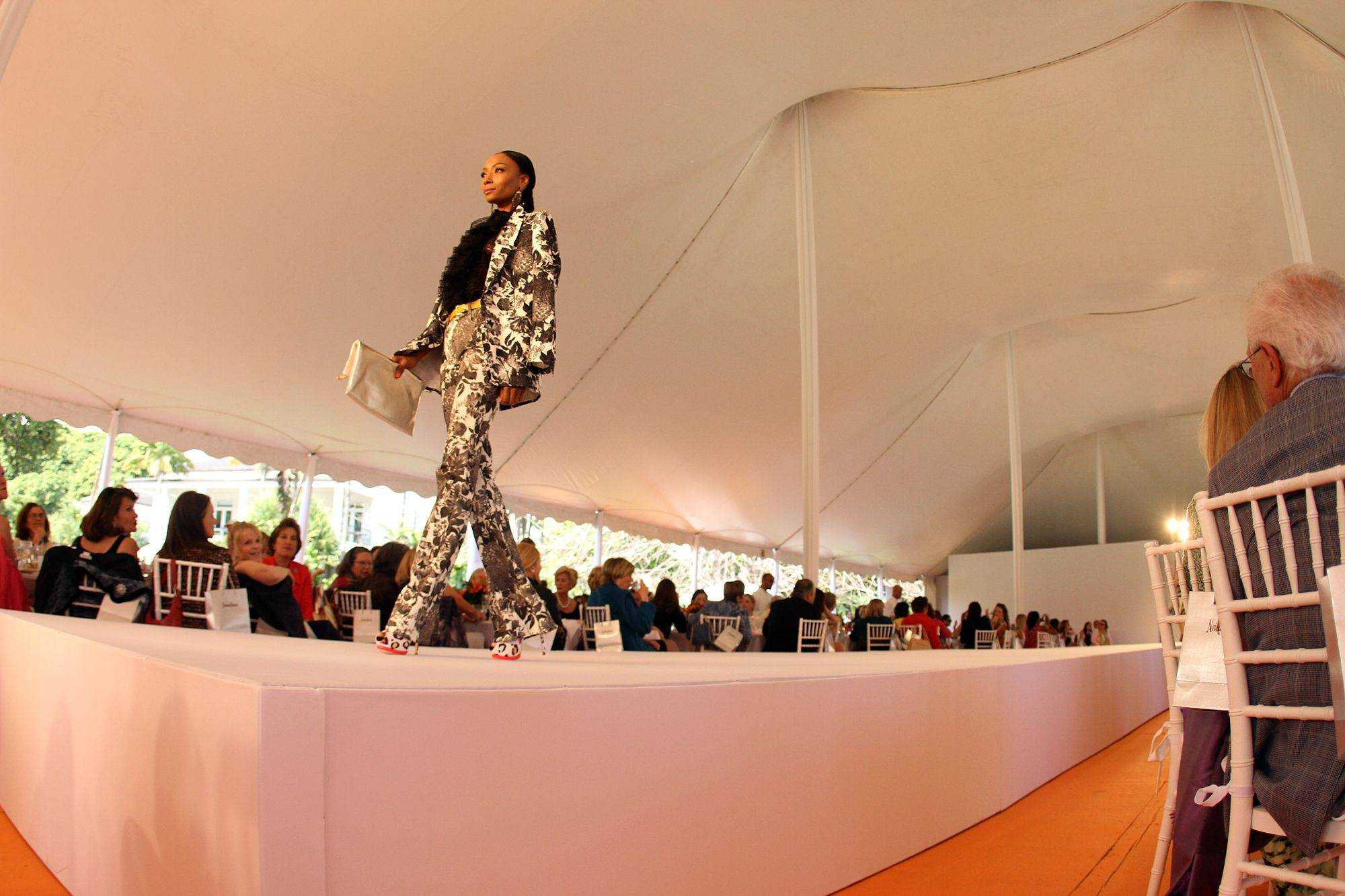Model Walking Runway 2