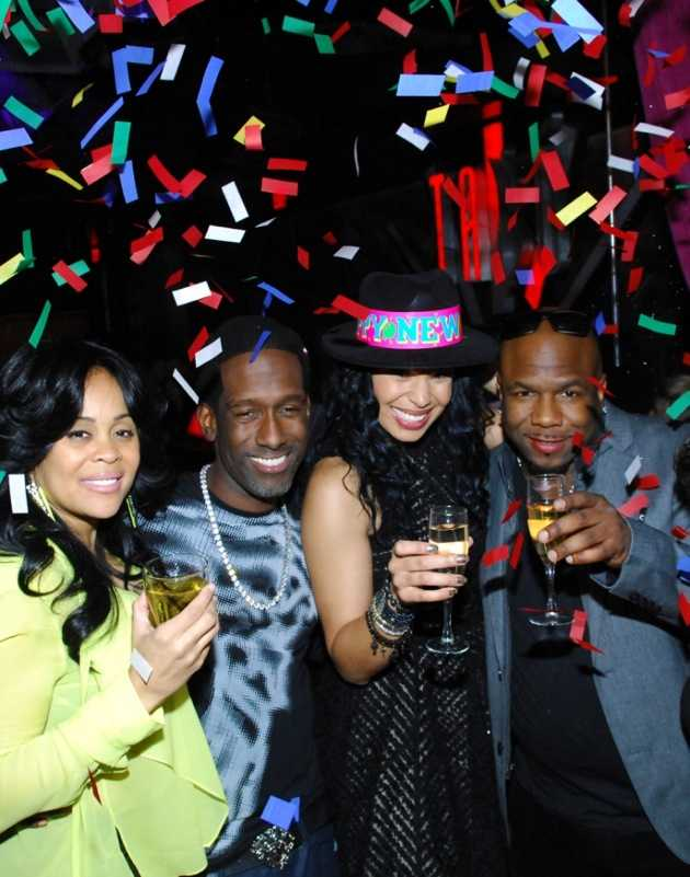 Tabú - Jordin Sparks and Members of Boyz II Men Toastingto New Years - 12.31.12