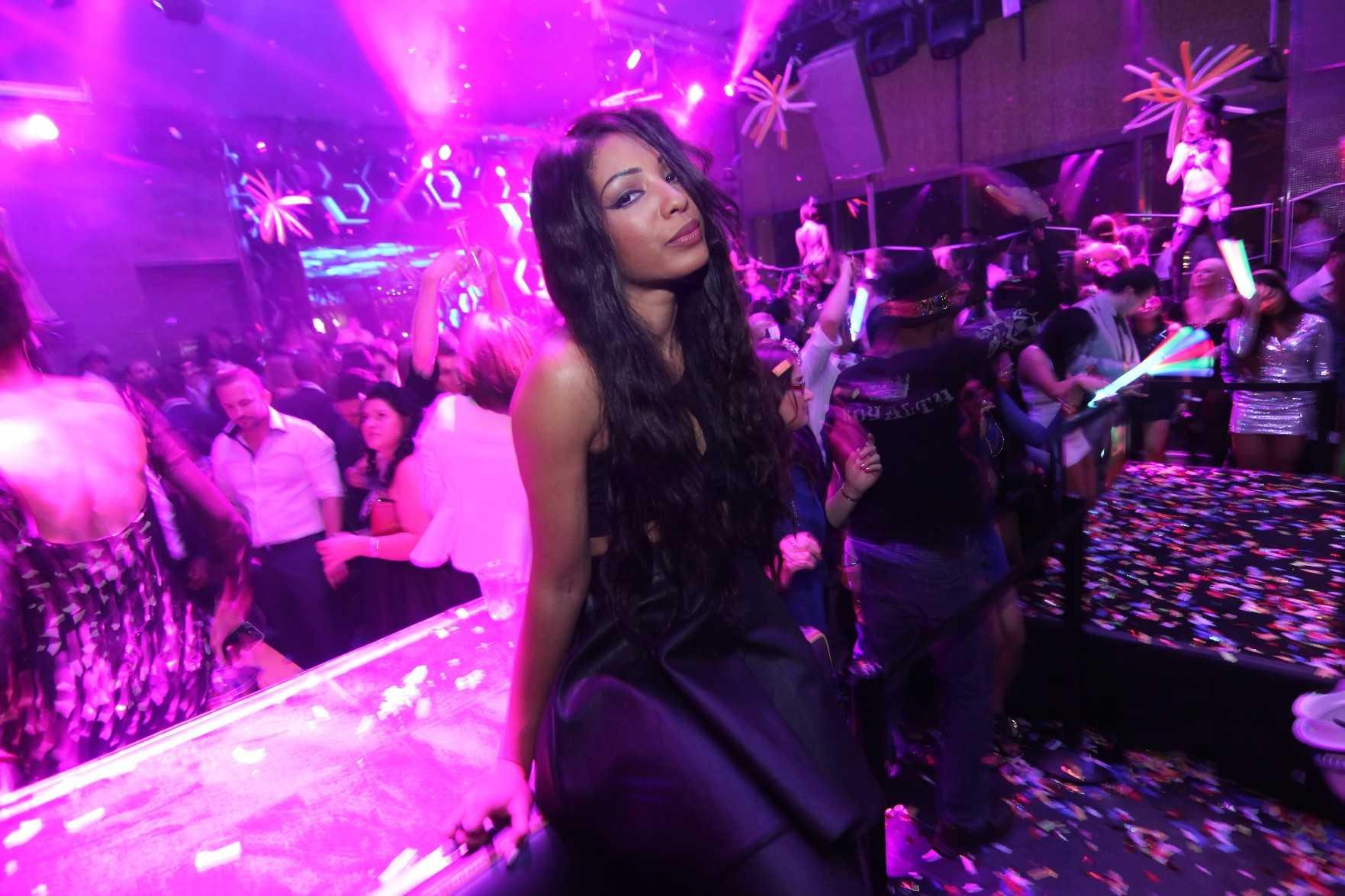 Wynter Gordon at Moon Nightclub in Palms Casino Resort