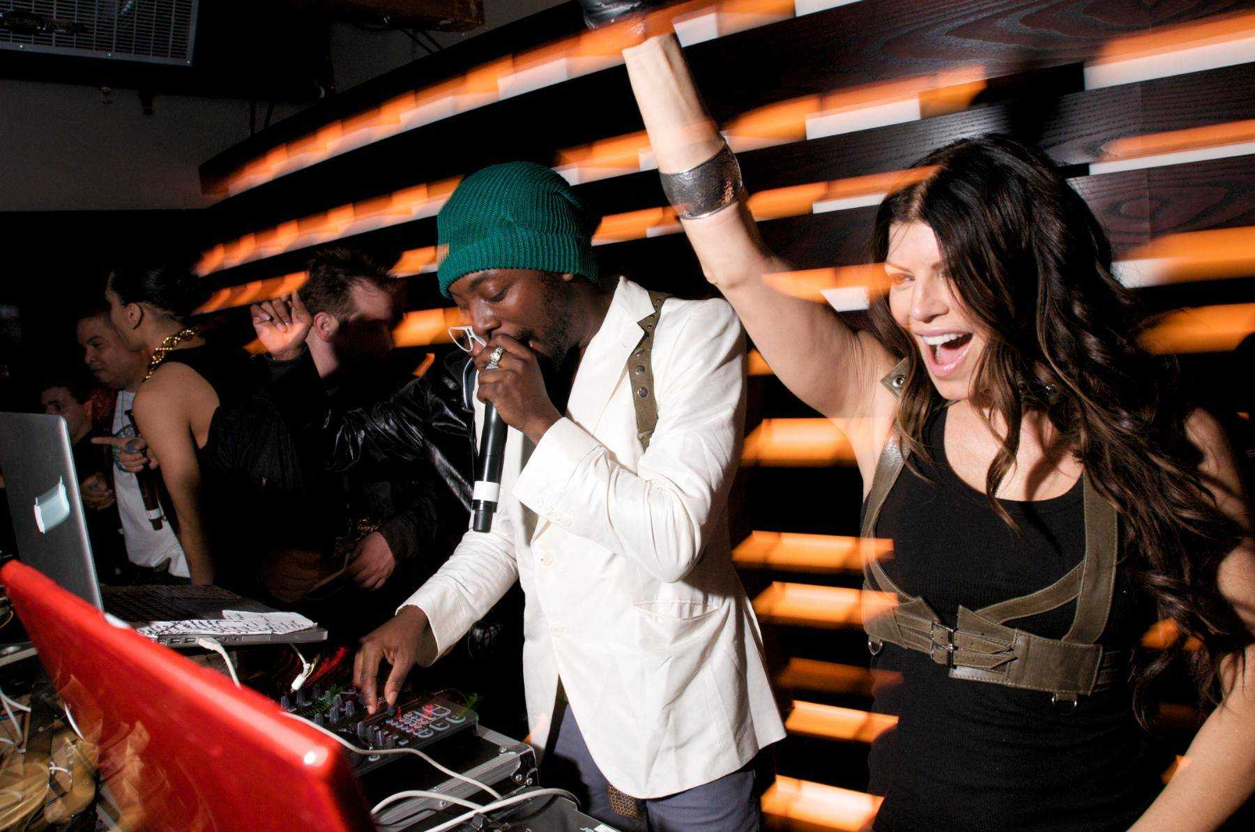 black-eyed-peas-perform-at-enclave-chicago