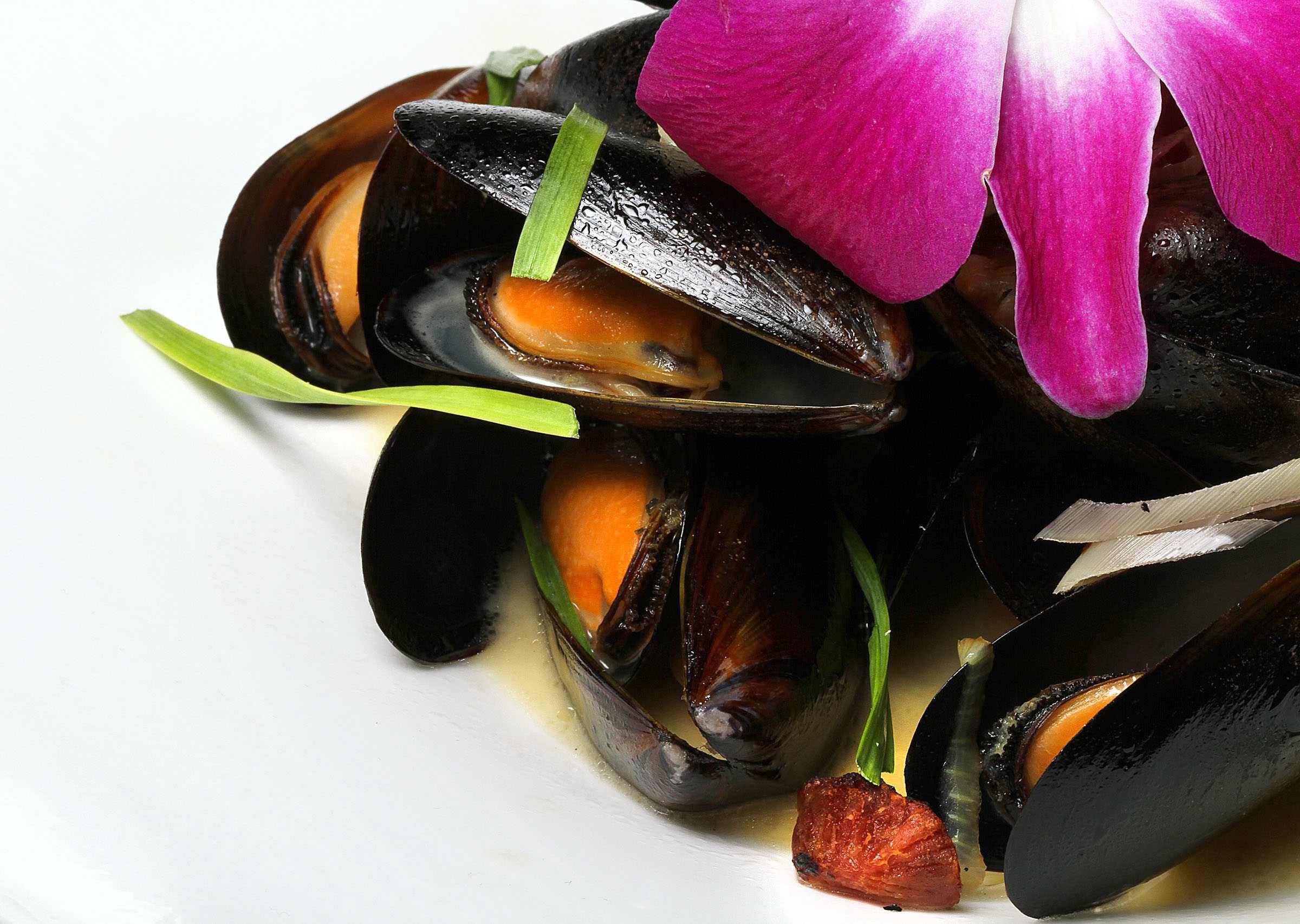 wok fried mussels1