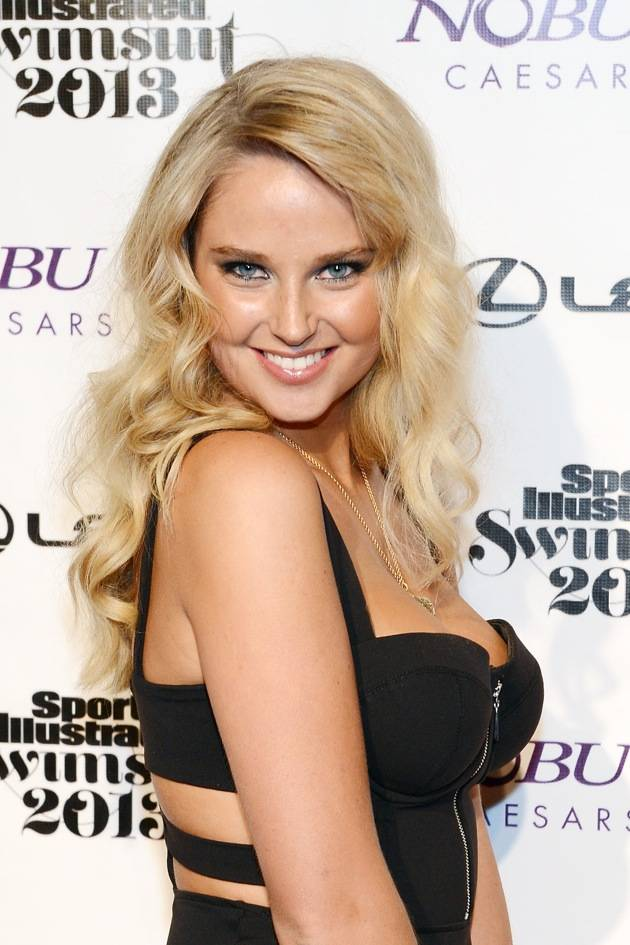 Sports Illustrated Swimsuit Models Walk The Red Carpet, Watch 3D Video At Caesars Palace