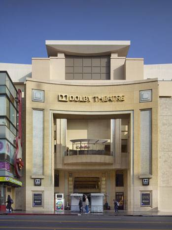Dolby_Theatre_Street_view_a_l