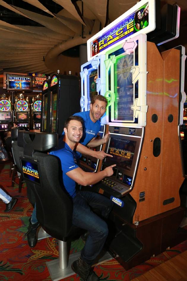 Jaymes and James with Amazing Race™ In It to Win It Video Slots2