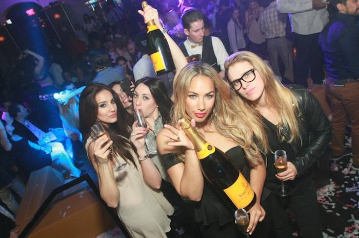 Leona Lewis and friends at Hyde Bellagio, Las Vegas, 2.23.23 (2)