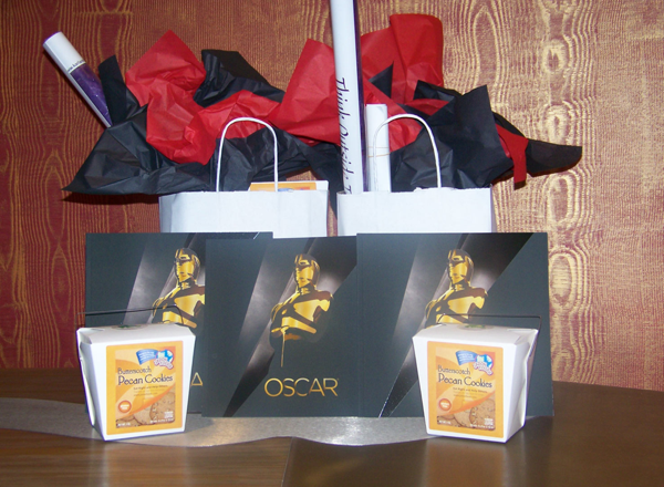 Oscar Gift Bags Include 45 000 Worth Of Goods Look Inside