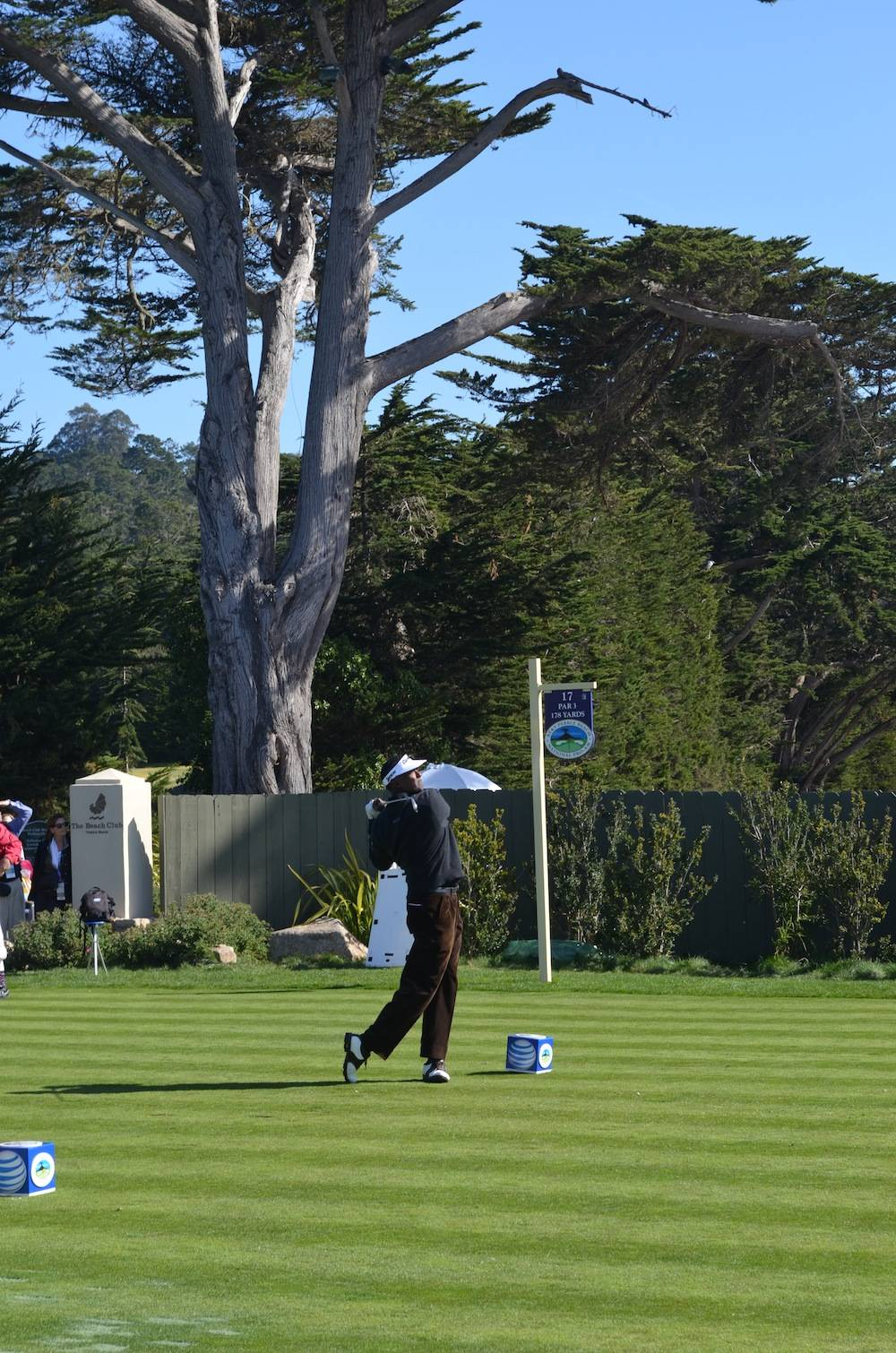 Vijay Singh tee off at the 17th hole