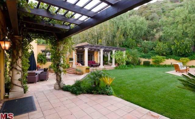 0404-charlie-sheen-beverly-hills-mulholland-estates-new-22