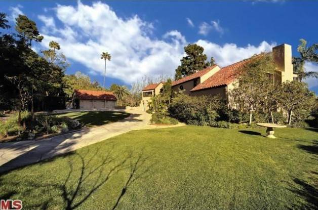 0408-katy-perry-hollywood-hills-mansion-2-628x415