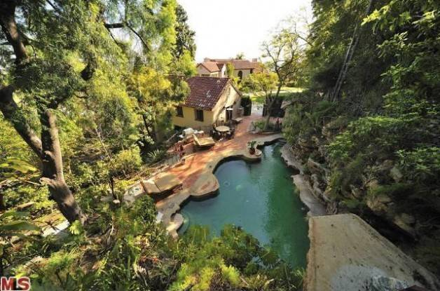 0408-katy-perry-hollywood-hills-mansion-23-628x415