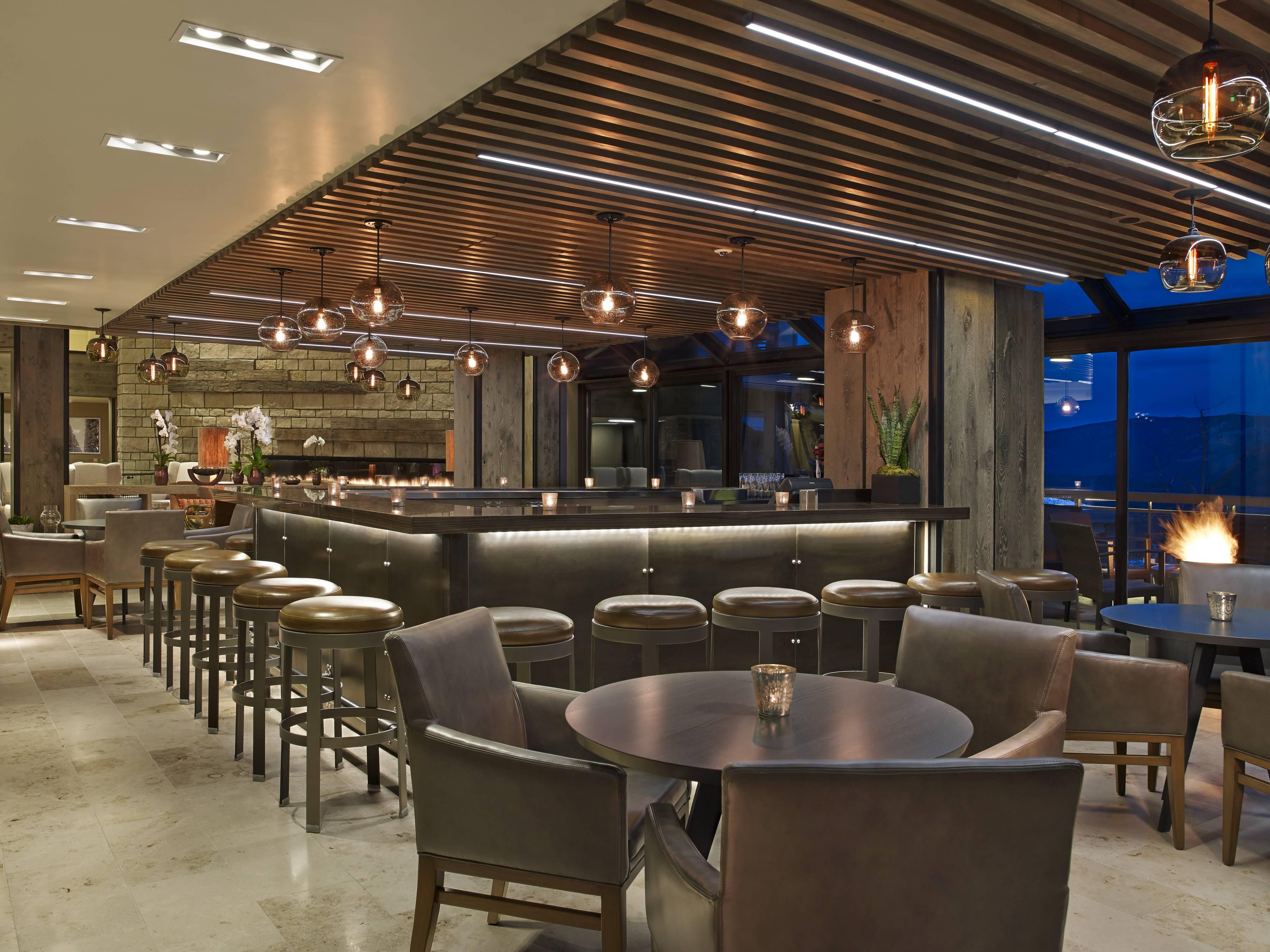 8 Westin Bar