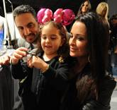 FEATKyle Richards, Husband Mauricio Umansky and Daughter Portia at Kyle by Alene Too Lakers Event