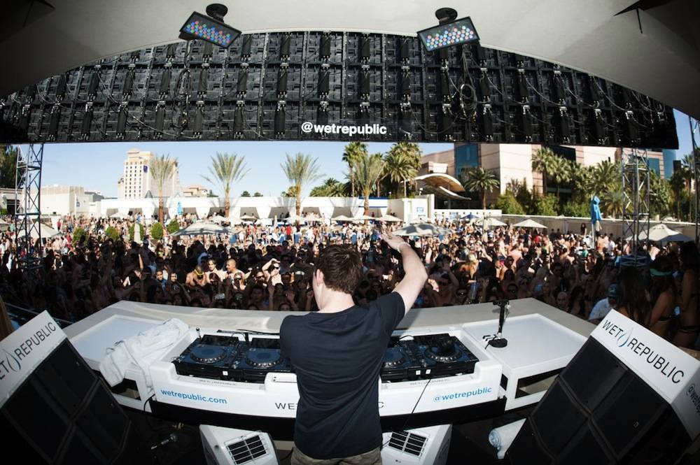 Hardwell_Crowd_WET REPUBLIC_Grand Opening Weekend