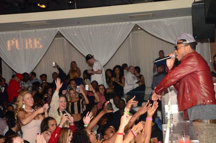 Jeremih_Performance_Fans_PURE Nightclub