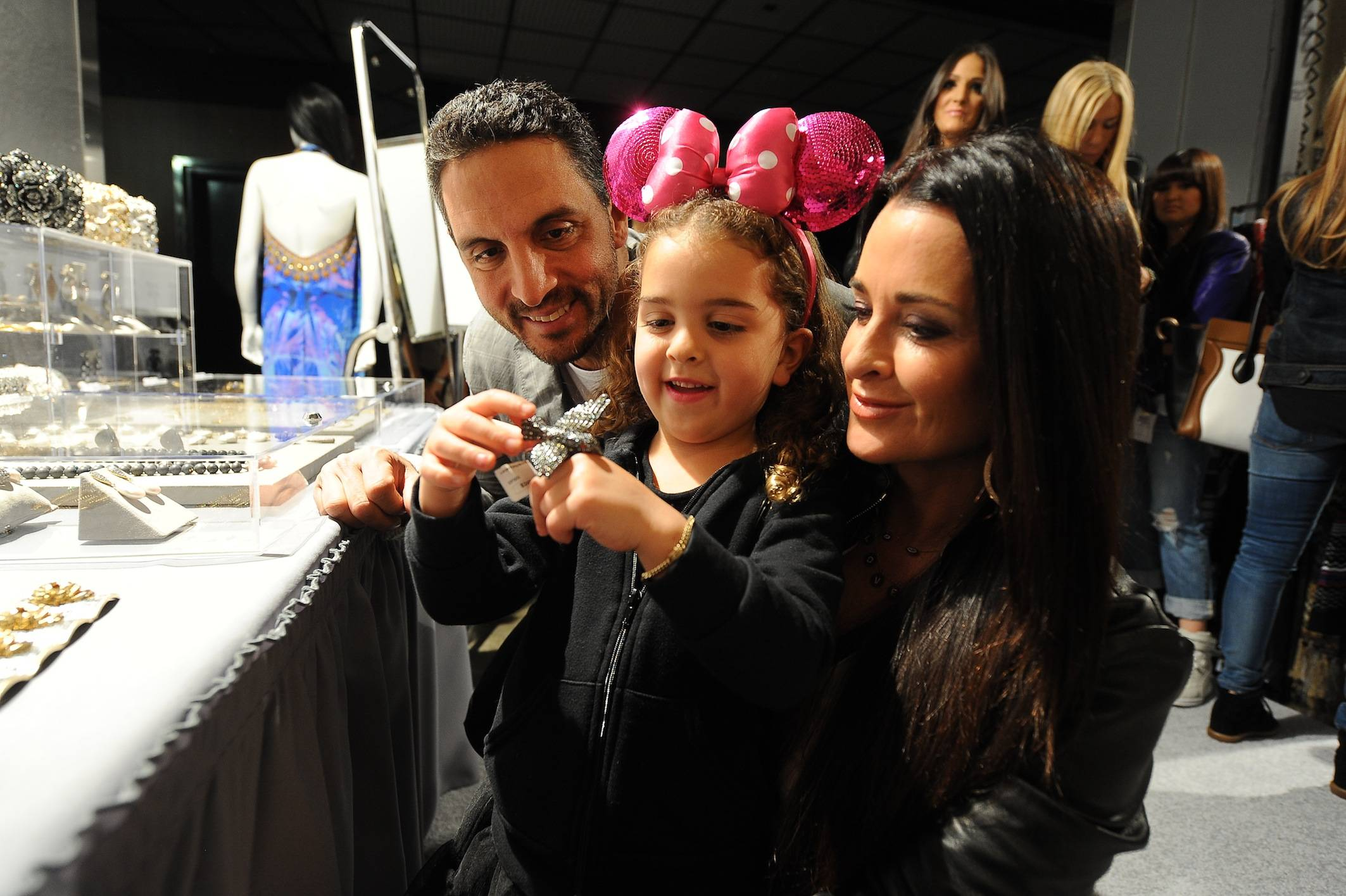 Kyle Richards, Husband Mauricio Umansky and Daughter Portia at Kyle by Alene Too Lakers Event