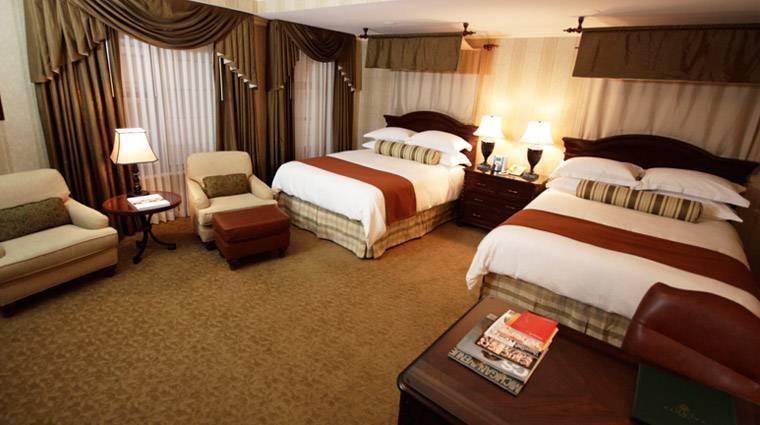 Property_TheTalbottHotel_Chicago_Hotel_Guestroom_creditFiveStarTravelCorporation