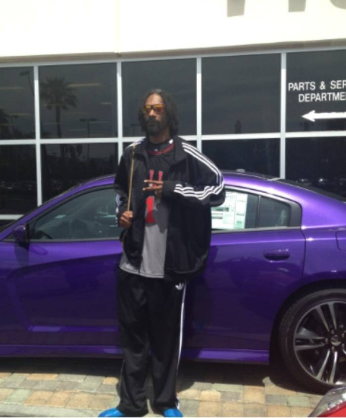 Celebrity Spotting Snoop Dogg Does Some Car Shopping At