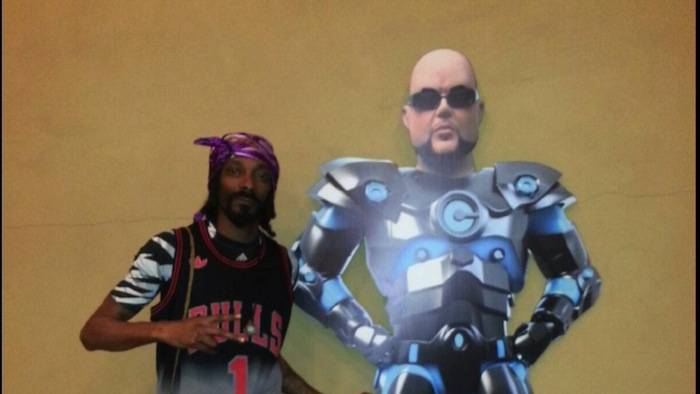 Snoop Lion inside Towbin dealership