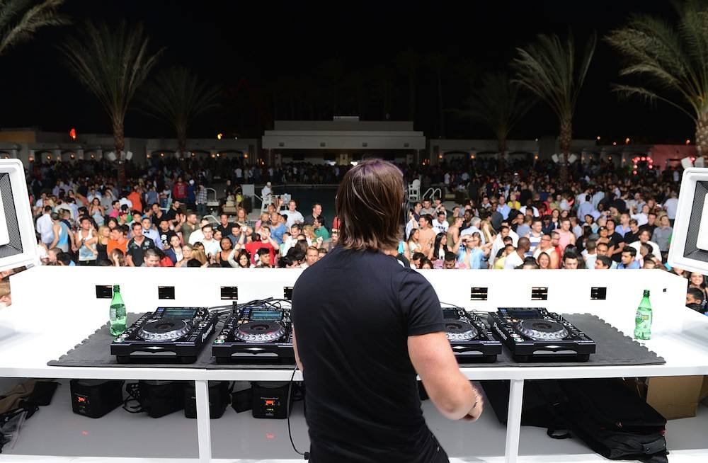 Eclipse At Daylight Beach Club Hosts Preview Featuring DJ Axwell