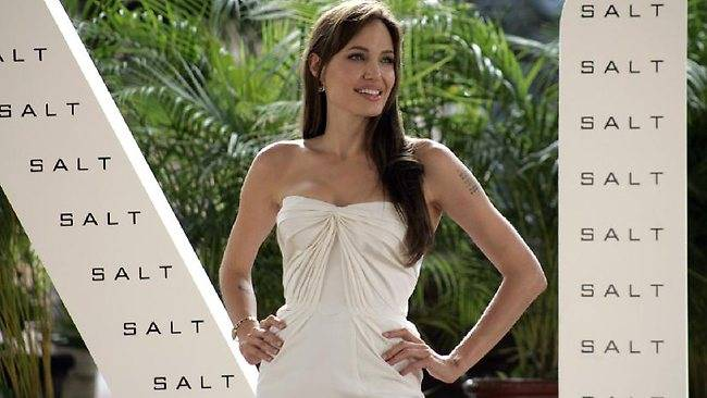 274261-angelina-jolie-salt-mexico