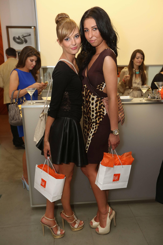 Nela Navratilova & Marie Stastna3