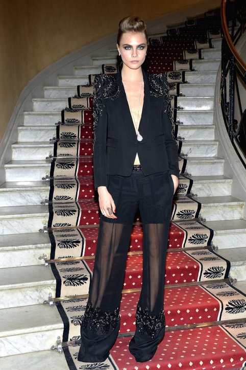 The stunning @Caradelevingne in a black Roberto Cavalli outfit for the @Chopard Trophy event in #Cannes!