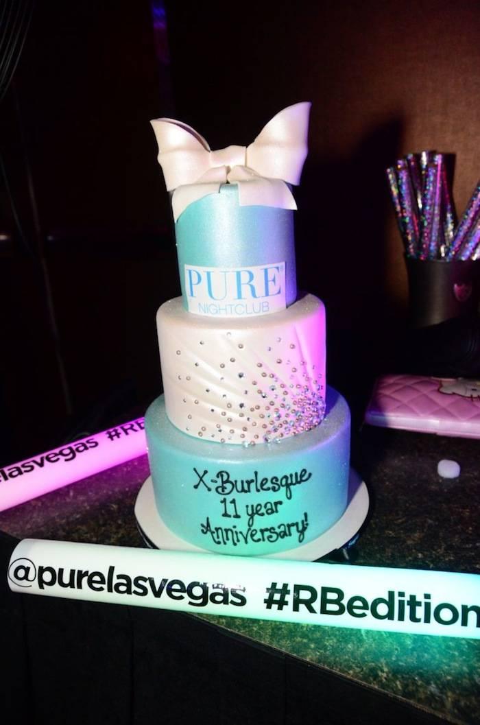 X Burlesque_Cake_PURE Nightclub